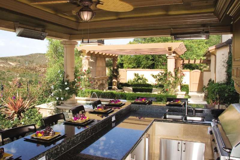 Five Reasons to Include an Outdoor Dining Area in Your Landscape Design Plan